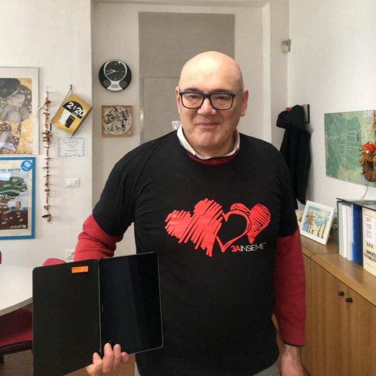 Preside-Luigi-Zennaro-Donazione